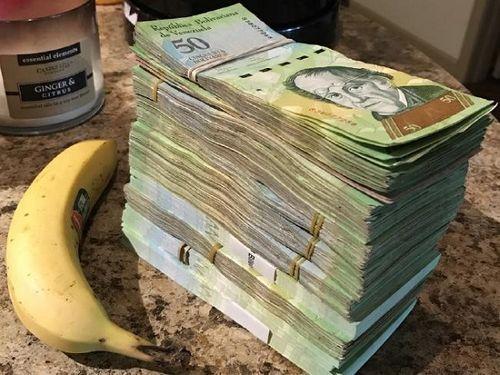 Lạm phát ở Venezuela: Thu ngân cân tiền cho nhanh thay vì đếm - Ảnh 5