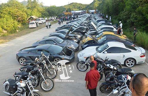 Philippines nghiền nát 70 siêu xe, xe sang nhập lậu trị giá hơn 100 tỷ - Ảnh 2