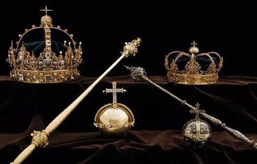 Thụy Điển: 2 vương miện cùng quả cầu hoàng gia bị đánh cắp táo tợn - Ảnh 1