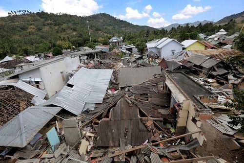 Động đất tại Indonesia: Cận cảnh siêu thị đổ sập trong chớp mắt - Ảnh 3