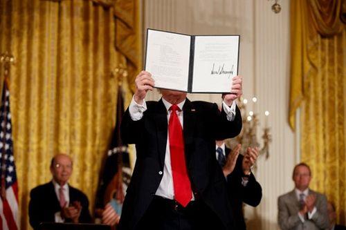 """Phó tổng thống Mỹ tiết lộ kế hoạch lập """"Quân đội Không gian"""" - Ảnh 2"""