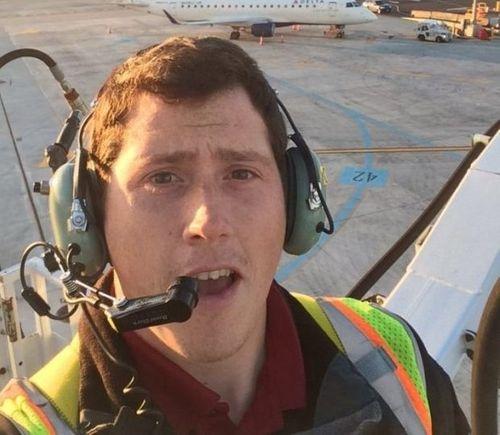 Chân dung bất ngờ về nghi phạm cướp máy bay, nhào lộn rồi tự sát tại Mỹ  - Ảnh 1