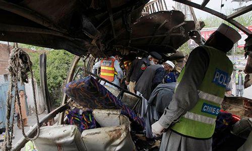 Phiến quân Pakistan đánh bom liều chết nhằm vào xe chở công nhân Trung Quốc - Ảnh 1