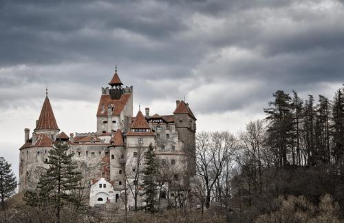 Khám phá lâu đài có thật của bá tước Dracula: Viên ngọc huyền bí tại Rumani - Ảnh 2