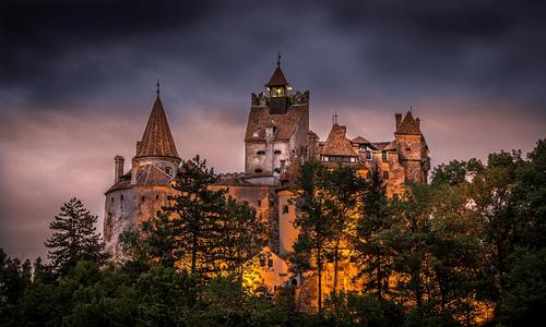 Khám phá lâu đài có thật của bá tước Dracula: Viên ngọc huyền bí tại Rumani - Ảnh 3