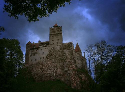 Khám phá lâu đài có thật của bá tước Dracula: Viên ngọc huyền bí tại Rumani - Ảnh 4