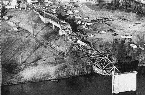10 vụ sập cầu thảm khốc nhất trong suốt 100 năm qua - Ảnh 9