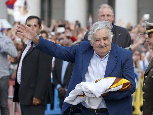 Cựu tổng thống nghèo nhất thế giới từ chối nhận lương hưu - Ảnh 1