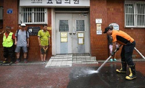 Nắng nóng kỷ lục ở Hàn Quốc: 28 người thiệt mạng, 2.266 người mắc hội chứng tim mạch - Ảnh 5