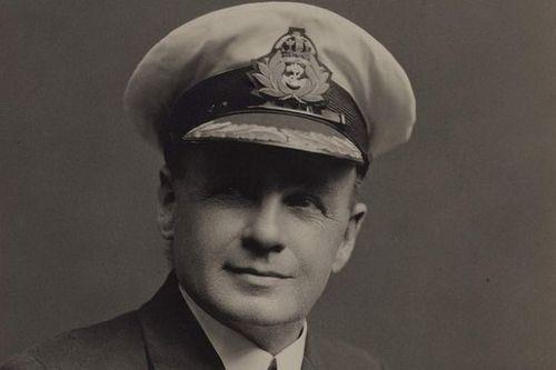 Phó thuyền trưởng tàu Titanic tiết lộ bí mật giấu kín nửa đời người - Ảnh 1
