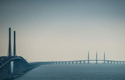 Chuyên gia lo ngại bão Mangkhut làm sập cây cầu dài nhất thế giới - Ảnh 2