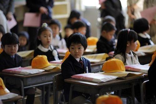 Trẻ em trên thế giới đón khai giảng như thế nào? - Ảnh 2
