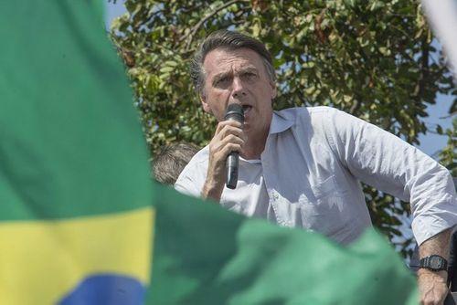 Video: Cận cảnh khoảnh khắc ứng cử viên tổng thống Brazil bị đâm trọng thương - Ảnh 1