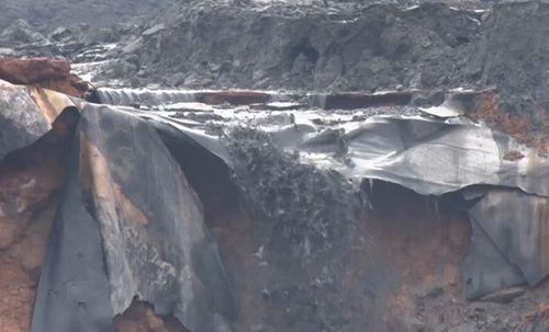 Hiện trường vụ vỡ hồ chứa chất thải tại Lào Cai, hàng chục hộ dân bị ảnh hưởng - Ảnh 4