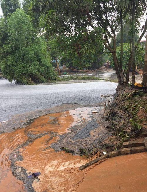 Hiện trường vụ vỡ hồ chứa chất thải tại Lào Cai, hàng chục hộ dân bị ảnh hưởng - Ảnh 8