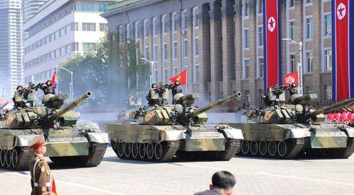 Cận cảnh dàn vũ khí hùng hậu của Triều Tiên trong lễ duyệt binh mừng quốc khánh - Ảnh 5