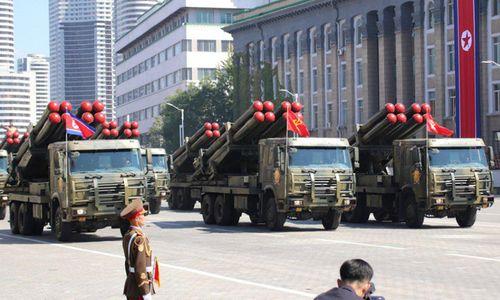 Cận cảnh dàn vũ khí hùng hậu của Triều Tiên trong lễ duyệt binh mừng quốc khánh - Ảnh 6