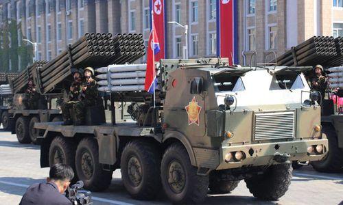 Cận cảnh dàn vũ khí hùng hậu của Triều Tiên trong lễ duyệt binh mừng quốc khánh - Ảnh 7
