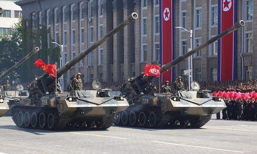 Cận cảnh dàn vũ khí hùng hậu của Triều Tiên trong lễ duyệt binh mừng quốc khánh - Ảnh 8