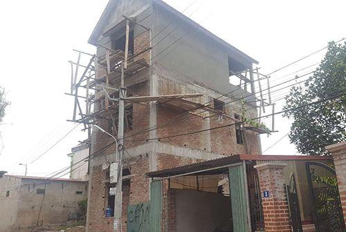 Hà Nội: Sập giàn giáo khi đang thi công, 2 thợ xây thiệt mạng  - Ảnh 1