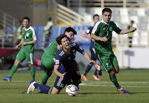 Quang Hải lọt top 10 cầu thủ xuất sắc nhất lượt trận đầu tiên Asian Cup 2019  - Ảnh 2