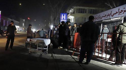 Taliban nhận trách nhiệm vụ đánh bom tại Afghanistan khiến hơn 100 người thương vong - Ảnh 1