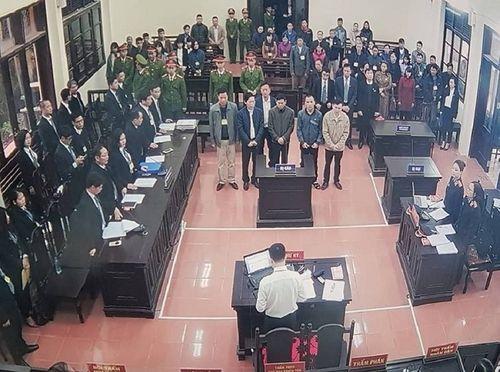 """Xét xử tai biến chạy thận 9 người chết ở Hòa Bình: Luật sư hé lộ chứng cứ """"đảo ngược"""" vụ án - Ảnh 1"""