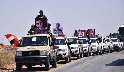 """Quân đội Syria rầm rộ đưa xe tăng, vũ khí hạng nặng tới """"tử trận"""" Idlib - Ảnh 1"""