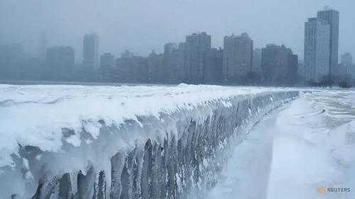 """Nước Mỹ """"gồng mình"""" với cái lạnh tàn khốc hơn cả Nam Cực, nhiều người thiệt mạng - Ảnh 1"""