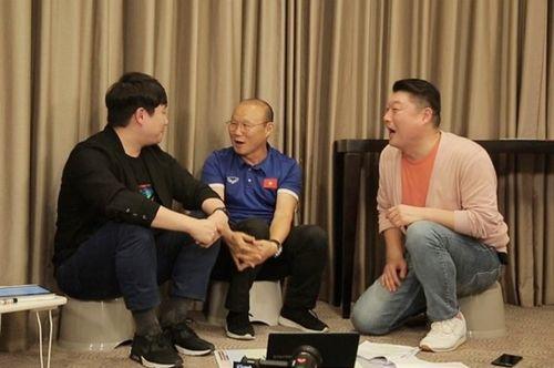 """HLV Park Hang Seo tiết lộ sự thật về các tin đồn """"mưa tiền thưởng"""" tại Việt Nam - Ảnh 1"""