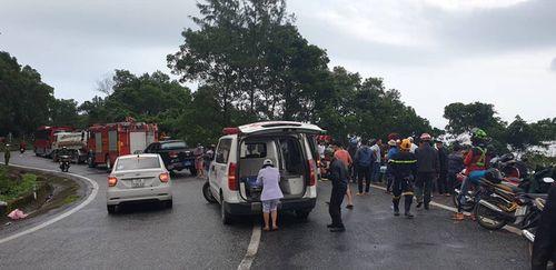 Xe khách lao xuống vực đèo Hải Vân: Bộ trưởng Bộ GTVT đã có mặt tại Đà Nẵng - Ảnh 2
