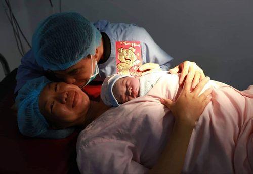 Hơn 26.000 em bé chào đời trong 8 ngày nghỉ Tết Nguyên đán Kỷ Hợi - Ảnh 1