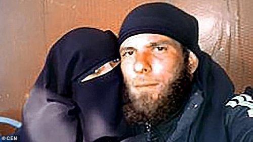 Đêm tân hôn kinh hoàng trong ký ức của người phụ nữ hai lần cưới khủng bố IS - Ảnh 2