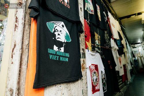 Cửa hàng tại Hà Nội bán áo in hình hai nhà lãnh đạo Mỹ-Triều hốt bạc triệu mỗi ngày - Ảnh 2