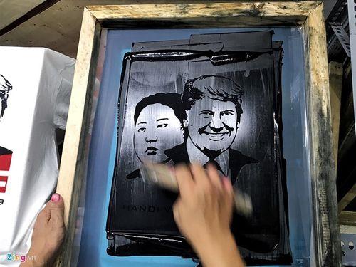 Cửa hàng tại Hà Nội bán áo in hình hai nhà lãnh đạo Mỹ-Triều hốt bạc triệu mỗi ngày - Ảnh 5