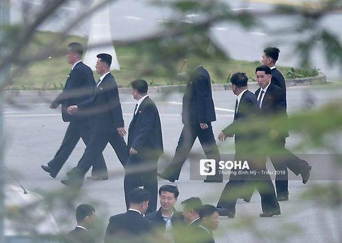 Cận cảnh phái đoàn an ninh của Triều Tiên với gần 100 người có mặt tại Hà Nội - Ảnh 3