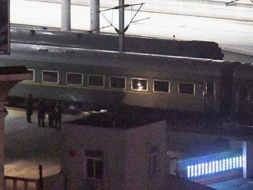 Tàu chở ông Kim Jong-un không dừng ở Bắc Kinh, tiếp tục di chuyển về Việt Nam - Ảnh 1
