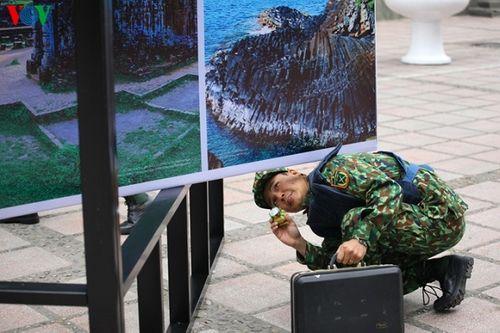 Xe bọc thép chính thức được triển khai trên đường phố Hà Nội trước thềm thượng đỉnh Mỹ-Triều - Ảnh 9