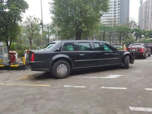 """Cận cảnh xe """"quái thú"""" Cadillac One của Tổng thống Mỹ lăn bánh trên đường phố Hà Nội - Ảnh 3"""
