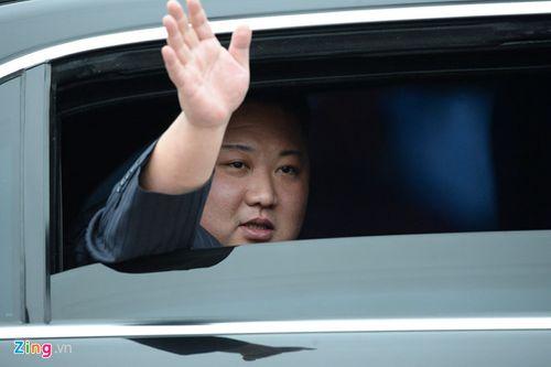 Cận cảnh Chủ tịch Kim Jong Un tươi cười rạng rỡ tại ga Đồng Đăng - Ảnh 8