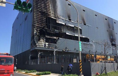 Cháy kho hàng tại Đài Loan, ba công nhân Việt tử vong - Ảnh 1