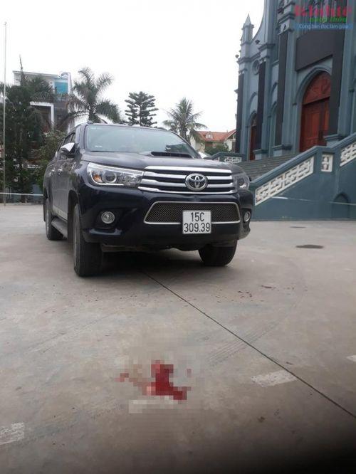 Hải Phòng: Nữ tài xế bất cẩn lùi ô tô bán tải cán chết bé trai 22 tháng tuổi - Ảnh 1
