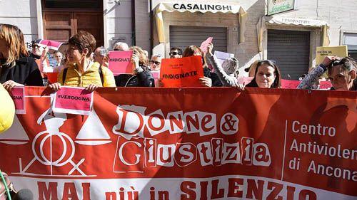 """Tòa án Italy hứng chỉ trích khi tuyên """"nạn nhân quá xấu xí nên không thể bị cưỡng hiếp"""" - Ảnh 1"""