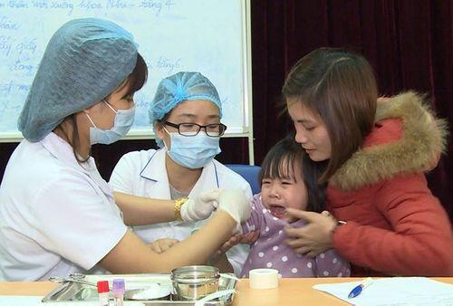 Hàng trăm trẻ nhiễm sán lợn, Giám đốc BV Bệnh Nhiệt đới Trung ương nói không bất thường - Ảnh 1