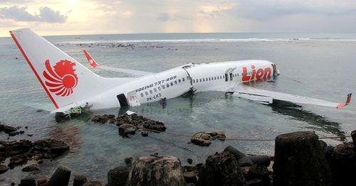 Thêm một máy bay chở theo 106 người của Boeing gặp sự cố giữa trời Nga - Ảnh 2