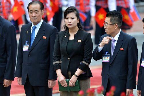 """Chân dung 4 """"bóng hồng"""" quyền lực tháp tùng ông Kim Jong-un tới Hà Nội - Ảnh 2"""