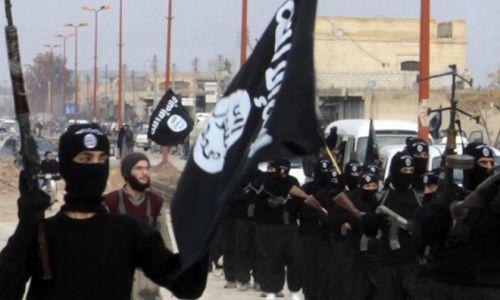 """IS bị xóa sổ, Mỹ ồ ạt triển khai hơn 150 xe quân sự tới """"chảo lửa"""" Syria - Ảnh 2"""