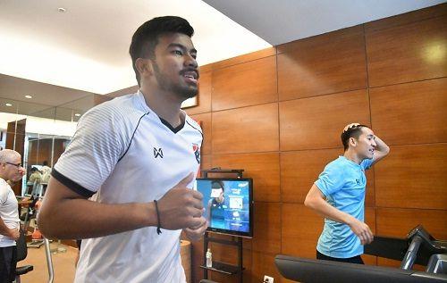 HLV Thái Lan yêu cầu đội tuyển tập nặng trước trận đấu với U23 Việt Nam - Ảnh 1