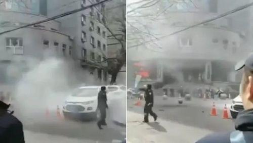 Trung Quốc: Đánh bom liều chết nhằm vào sở cảnh sát, ít nhất 4 người thương vong - Ảnh 1