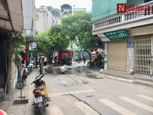 Hà Nội: Quán cafe karaoke bất ngờ cháy dữ dội, 2 người thương vong - Ảnh 6